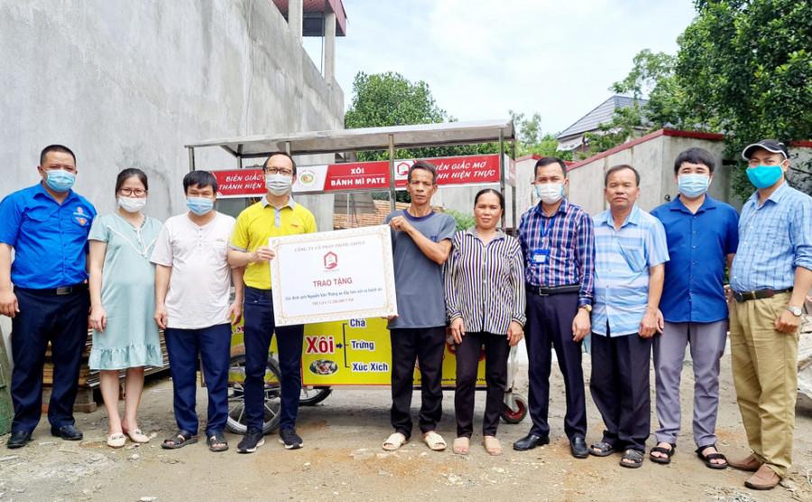 Dreams Come True - Trang bị xe đẩy bán xôi và bánh mì cho gia đình anh Nguyễn Văn Thăng
