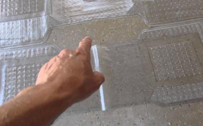 Cách tẩy mảng bám trên nền gạch