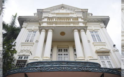 Renaissance Architecture to nice house and passion